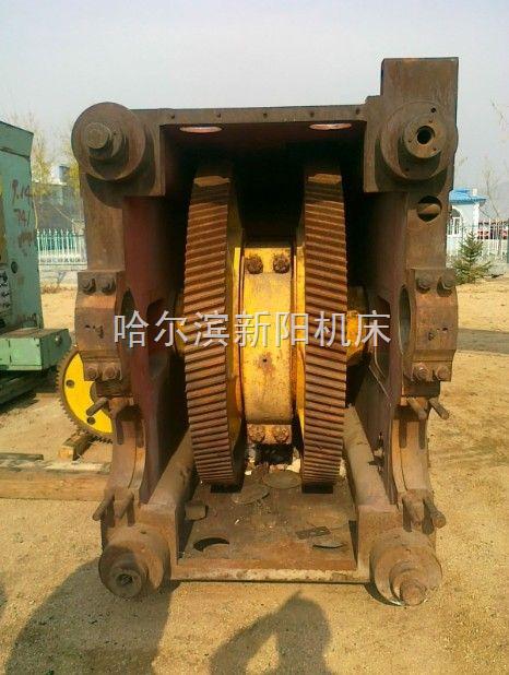 400吨闭式单点压力机